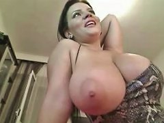 I Have The Body Of A Porn Star And I Love Showing Off My Big Boobs